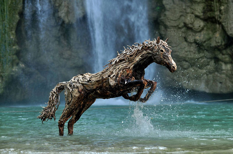 galloping horses made from driftwood by james doran-webb (1)