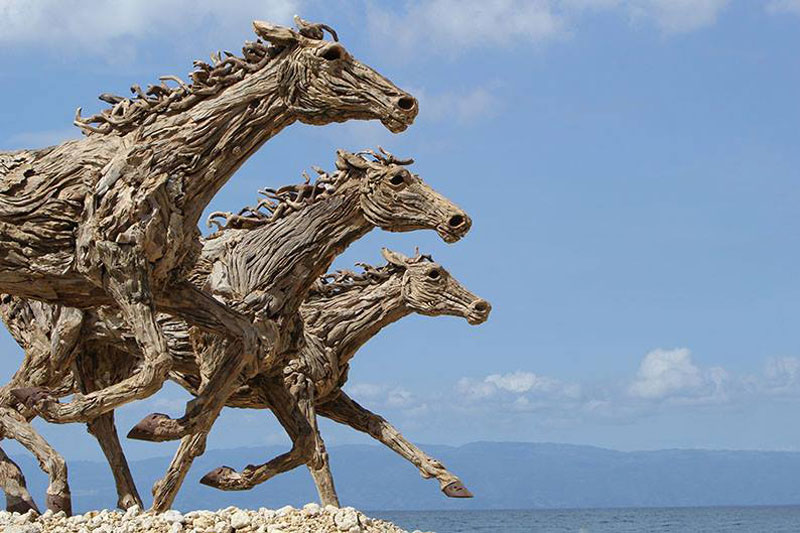 galloping horses made from driftwood by james doran-webb (7)