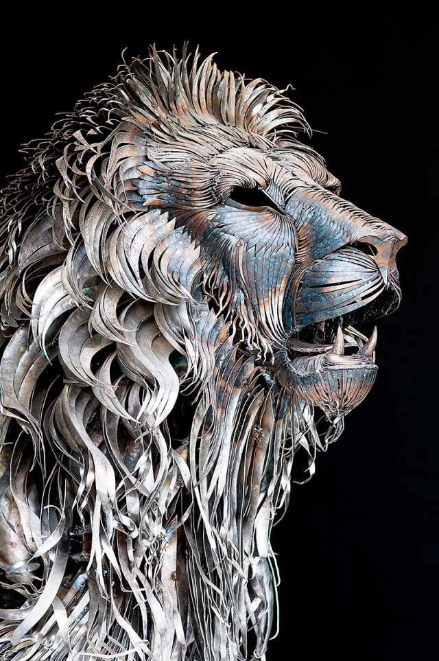 metal lion sculpture by selcuk yilmaz 5 Acid Etched Metal Art from the Renaissance