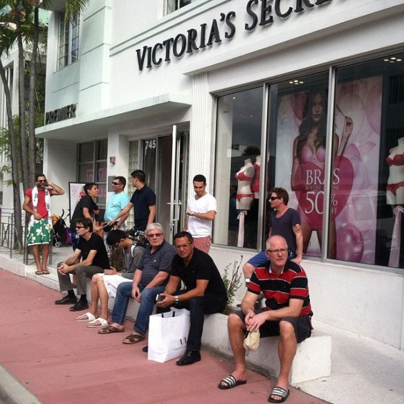 miserable men instagram men shopping with their wives and girlfriends (11)