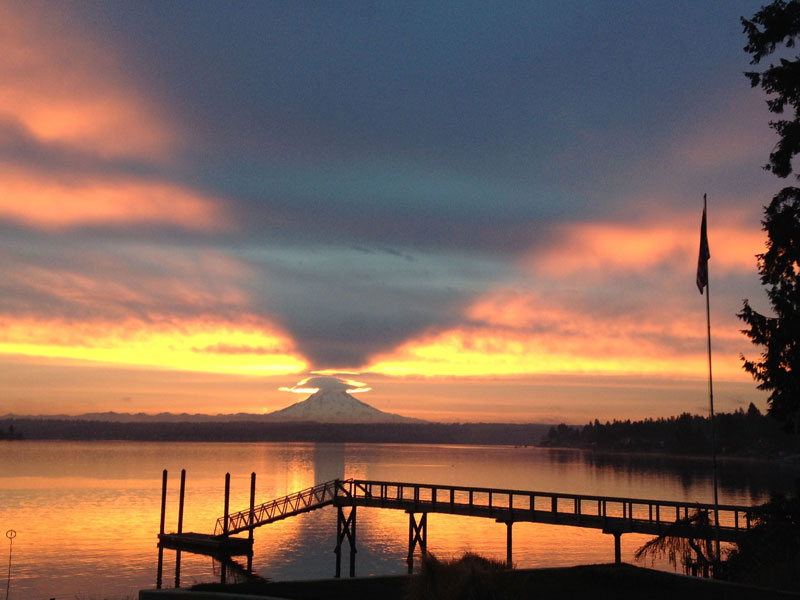 mount rainier casting upward shadow toward sky The Top 50 Pictures of the Day for 2014