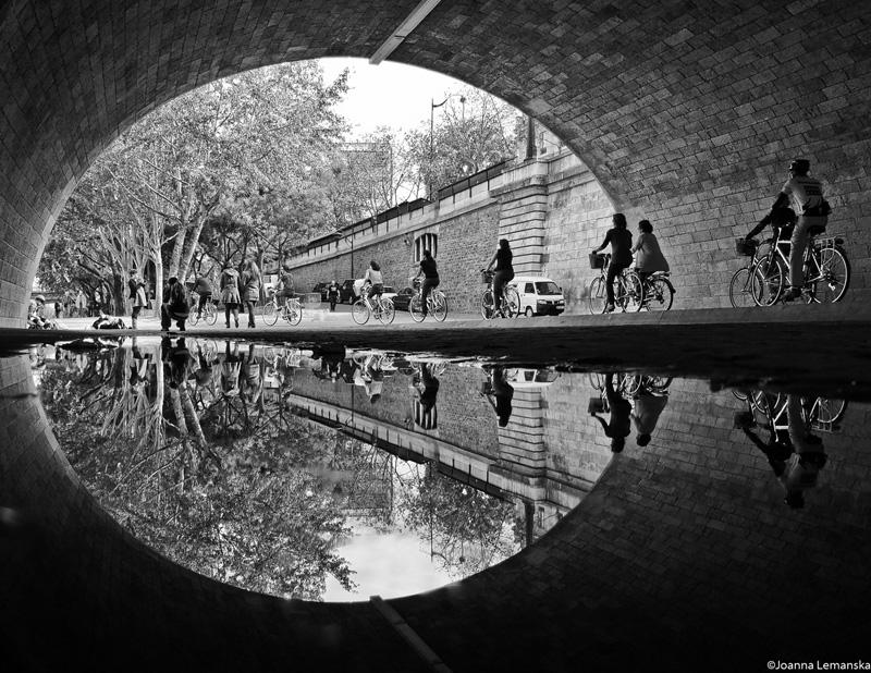 Pont de la tournelle reflection black and white