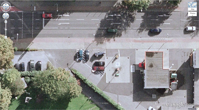car-tipping google earth