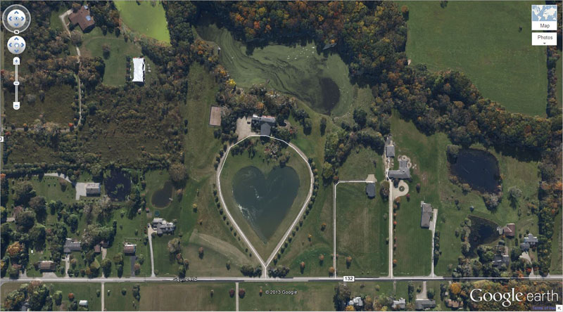 50 amazing finds on google earth twistedsifter for L shaped lake