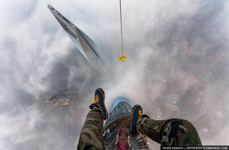 photos from shanghai tower climb vitaliy raskalov (1)