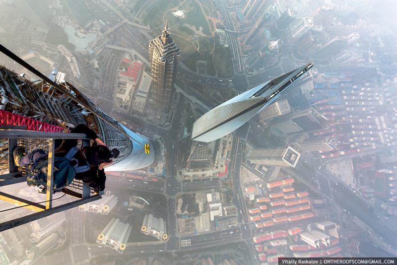 photos-from-shanghai-tower-climb-vitaliy-raskalov-(6)