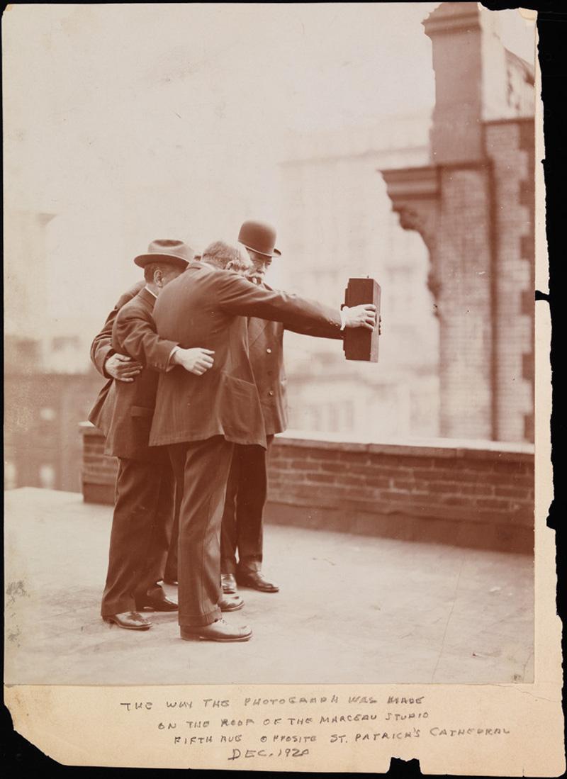 vintage selfie 1920 (1)