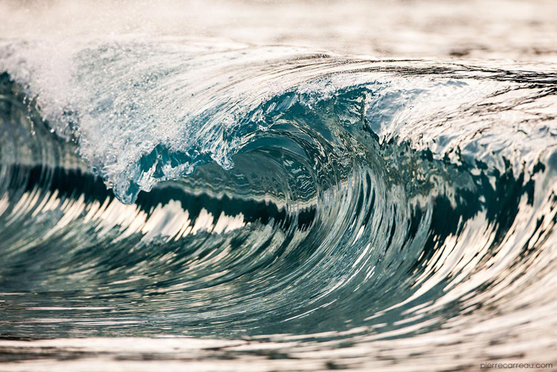 Close-Ups of Tiny Waves Make Them Look Like Mini Tsunamis by pierre carreau (4)
