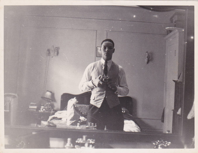 Picture of the Day: Colin Powell's 60-Year-OldSelfie