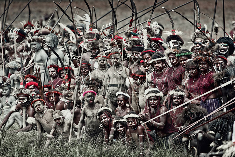 dani jimmy nelson before they pass away 15 Striking Portraits of Ancient Tribes Around the World