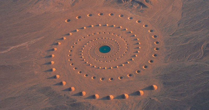 Million Square Foot Artwork in the Sahara Still Visible After 17 Years