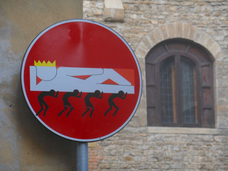 do not enter street sign art by clet (2)