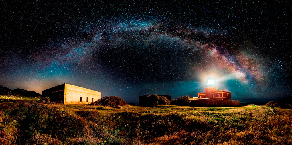 Starry lighthouse Open Panoramic