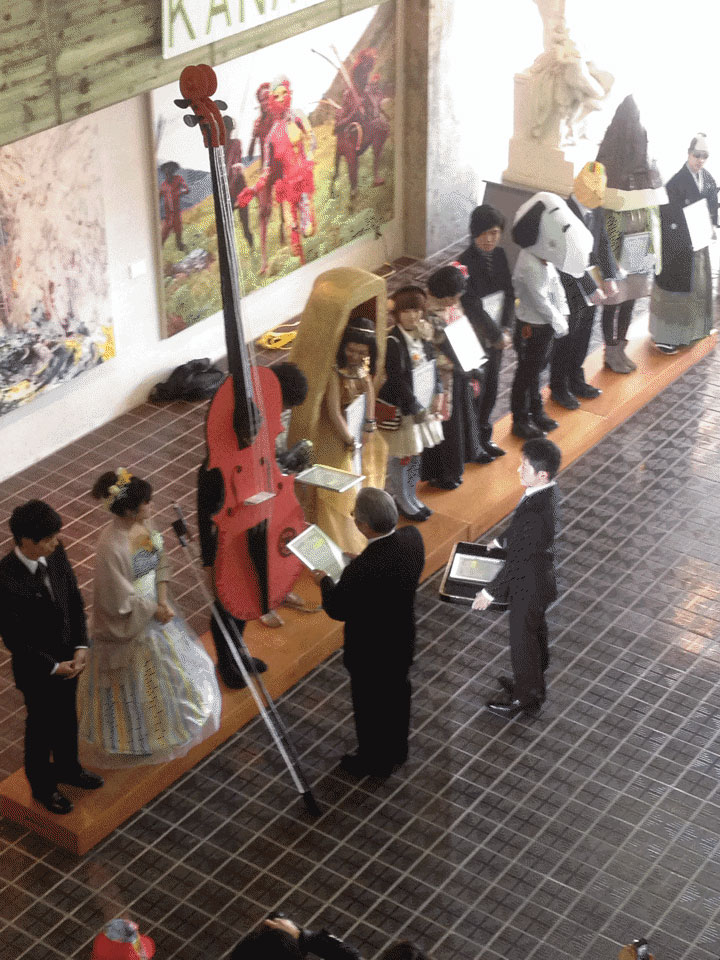 Kanazawa College of Art in Japan Lets Students Wear Costumes to Graduation (13)