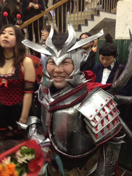 Kanazawa College of Art in Japan Lets Students Wear Costumes to Graduation (16)