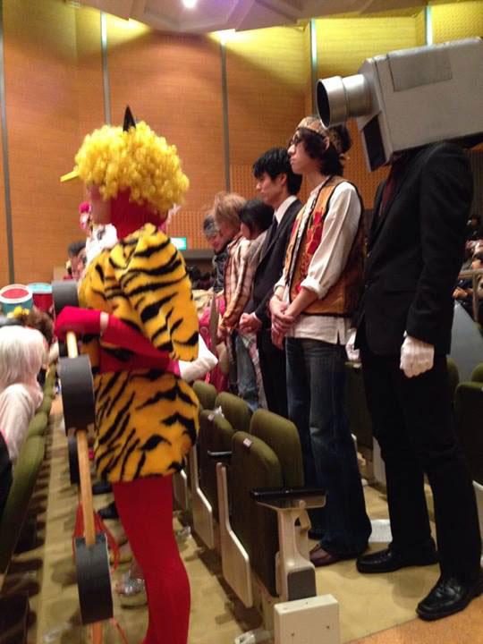 this art school in japan lets students wear whatever they want to graduation  u00abtwistedsifter