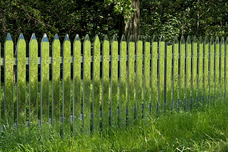 mirrored fence by alyson shotz (8)