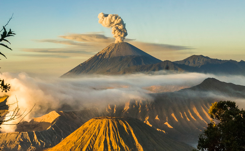 Picture of the Day: Sunrise Over MountBromo