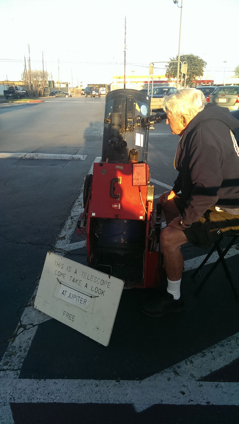 sidewalk astronomy come take a look at jupiter free telescope full The Sifters Top 75 Pictures of the Day for 2014