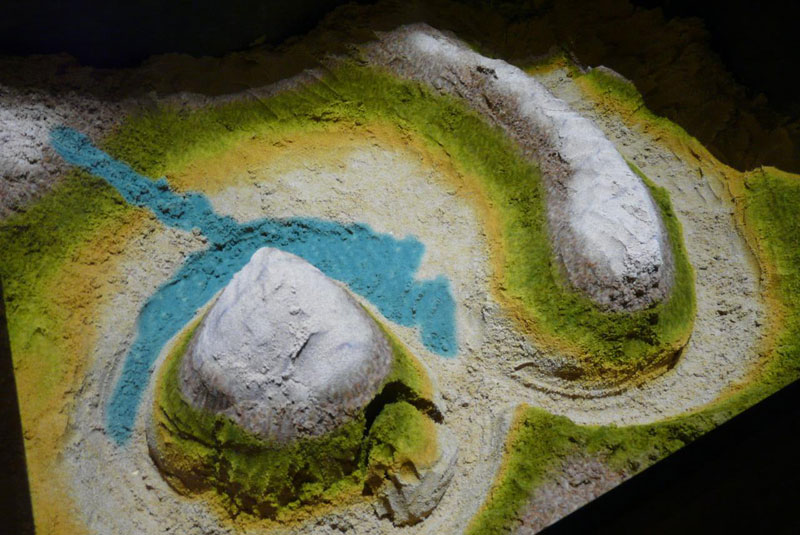 futuristic sandbox lets you build erupting volcanoes and flowing rivers (4)