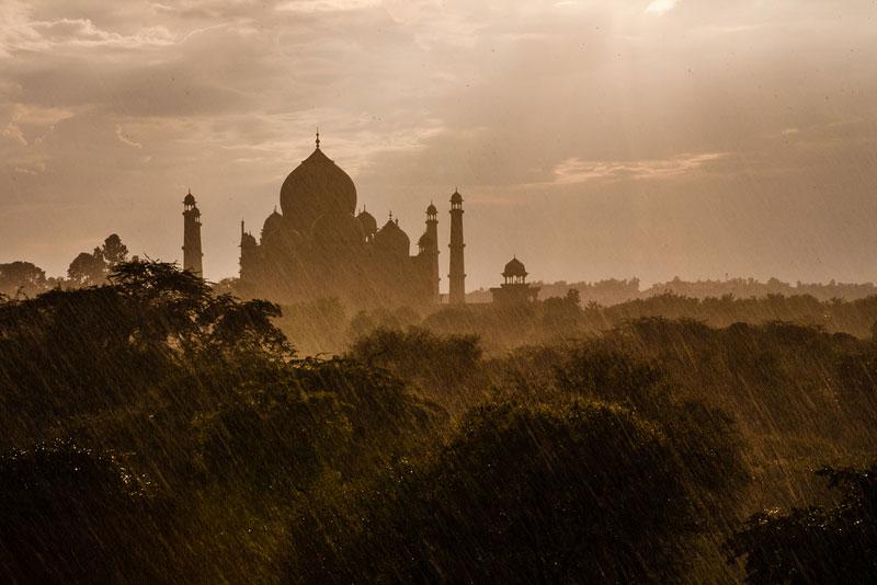 rainstorm at the taj mahal Picture of the Day: Rainstorm at the Taj
