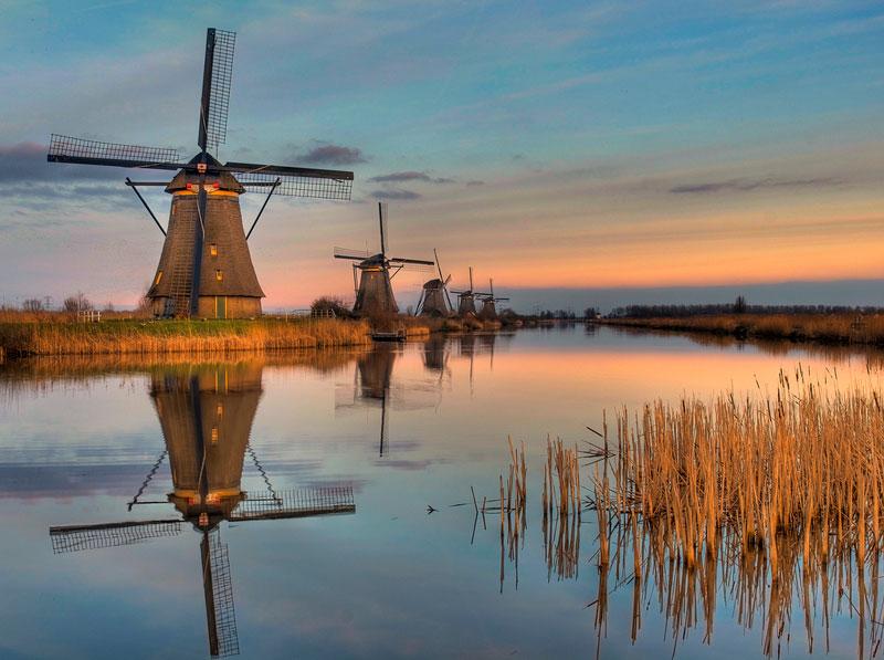 the-windmills-of-Kinderdijk-netherlands