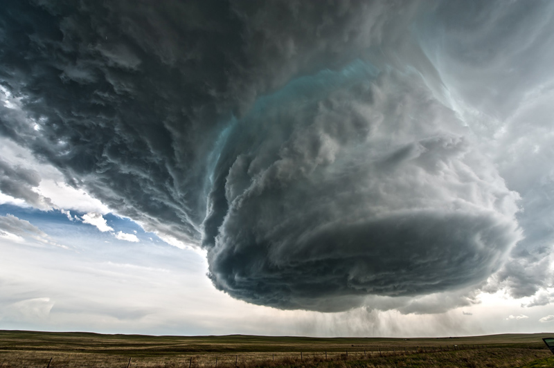 Storm Chasers Capture Epic Supercell in Wyoming