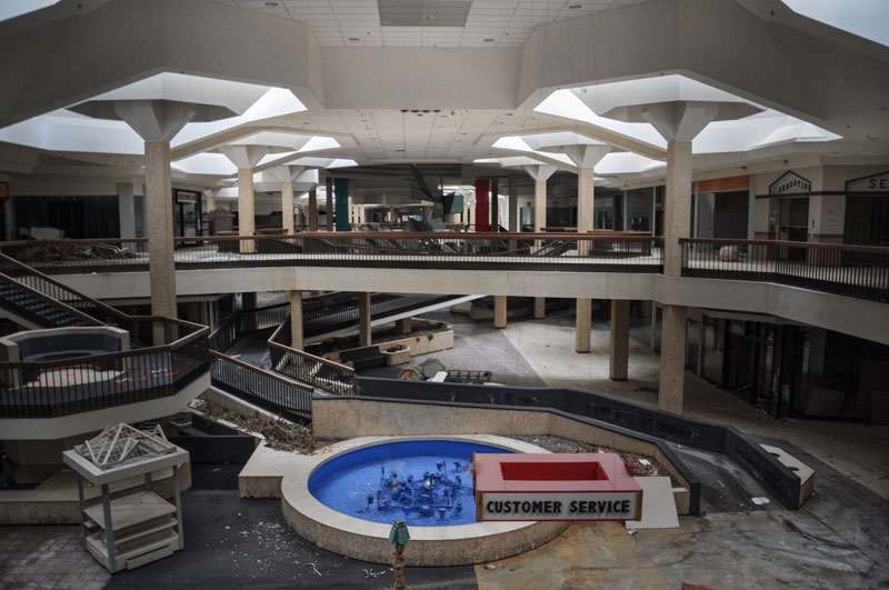 Randall Park was Once the World's Largest Shopping Mall. This is What it Looks LikeToday