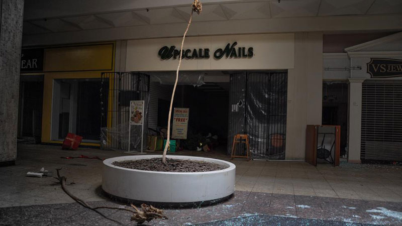 randall park mall abandoned ohio by seph lawless (9)