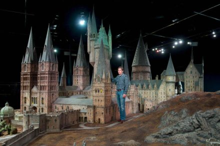 real-life-hogwarts-castle-scale-model