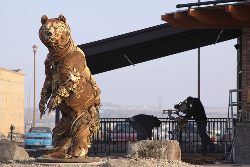 scrap metal bear sculpture by john lopez