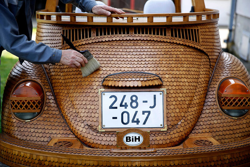 wooden beetle made from 50000 pieces of oak momir bojic bosnia 31 These Were Made with Everyday Toothpicks