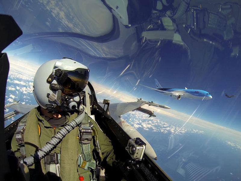 fighter jets escort netherlands first commerical dreamliner