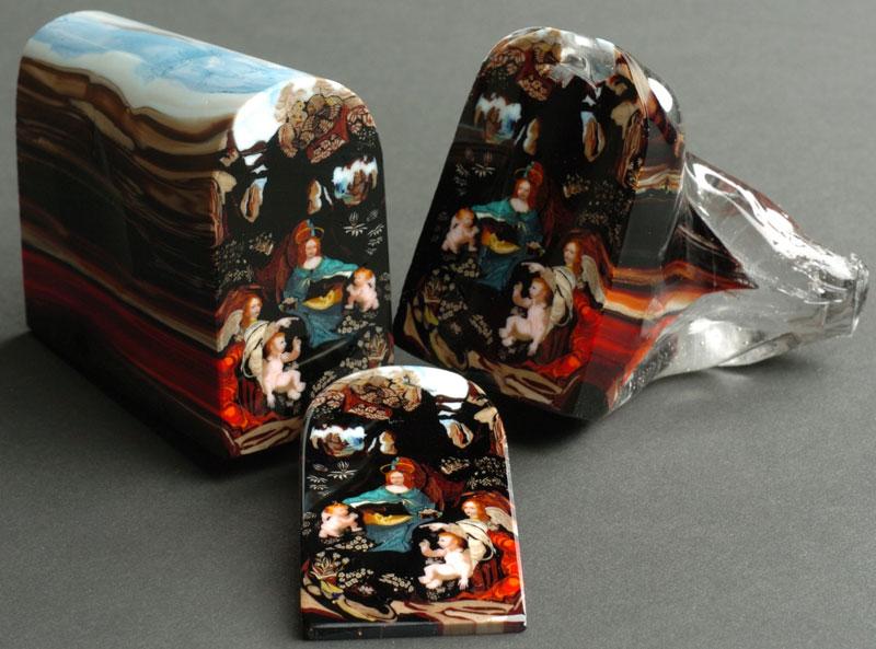 glass murrine by loren stump loaf of bread art 4 Stunning Miniature Gardens Encased in Clear Glass Orbs