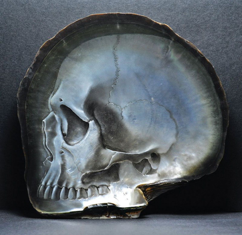 hand carved skulls into mother of pearl shells by gregory raymond halili (5)