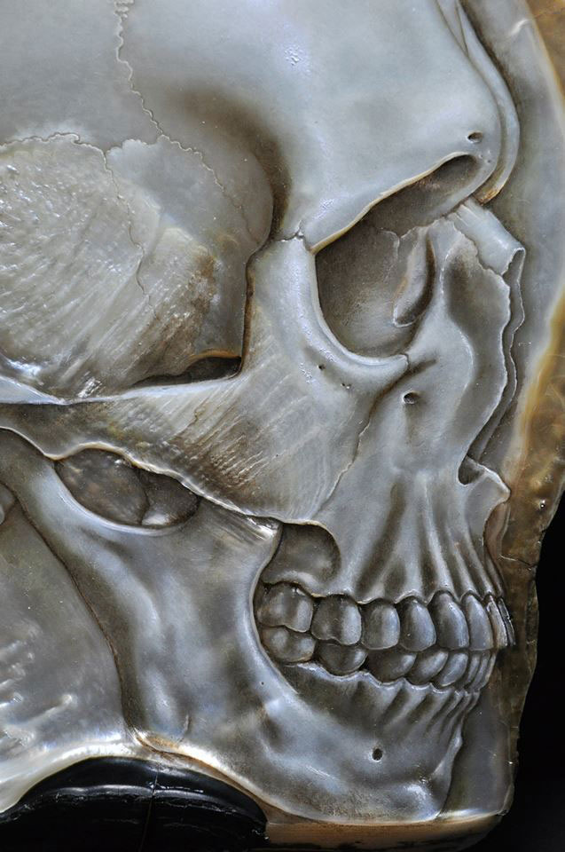hand carved skulls into mother of pearl shells by gregory raymond halili (9)