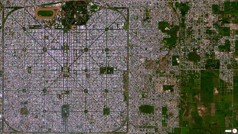 la plata buenos aires aregentina from above aerial satellite 17 Satellite Photos Around the World that Will Change Your Perspective