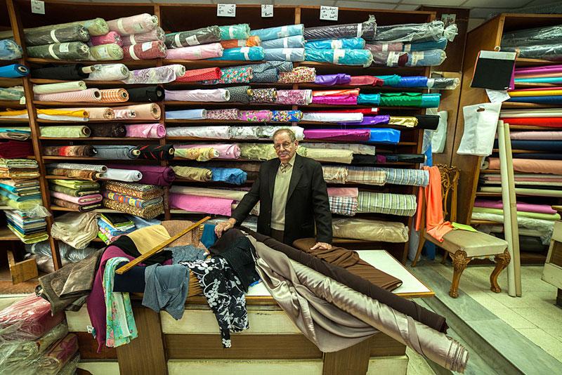 portraits of shopkeepers around the world by vladimir antaki (15)