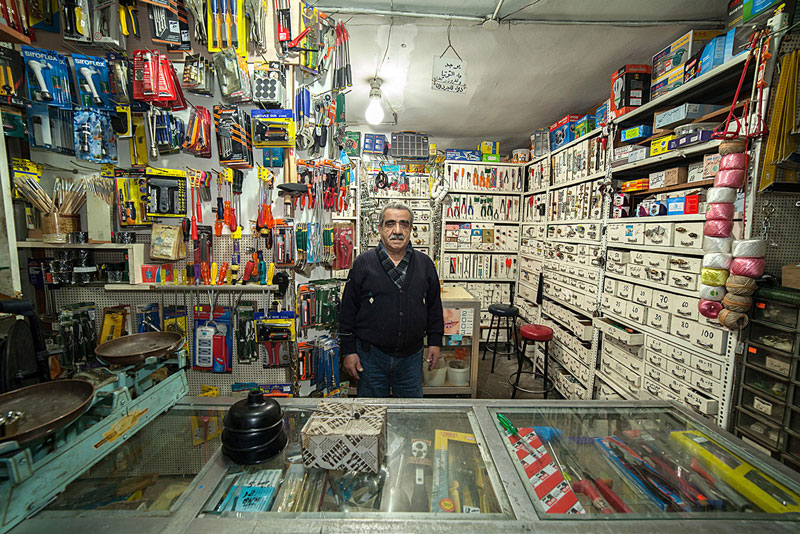 portraits of shopkeepers around the world by vladimir antaki (17)