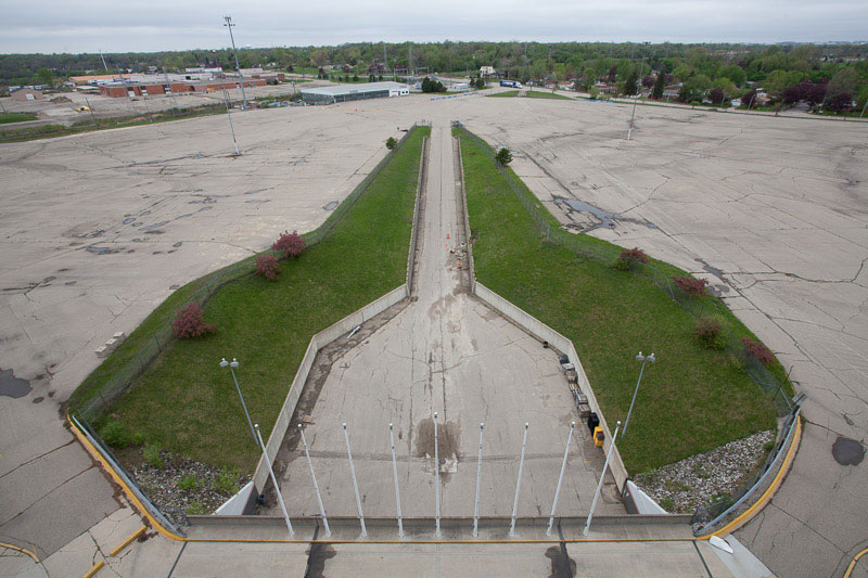 the abandoned silverdome by detroiturbex (8)