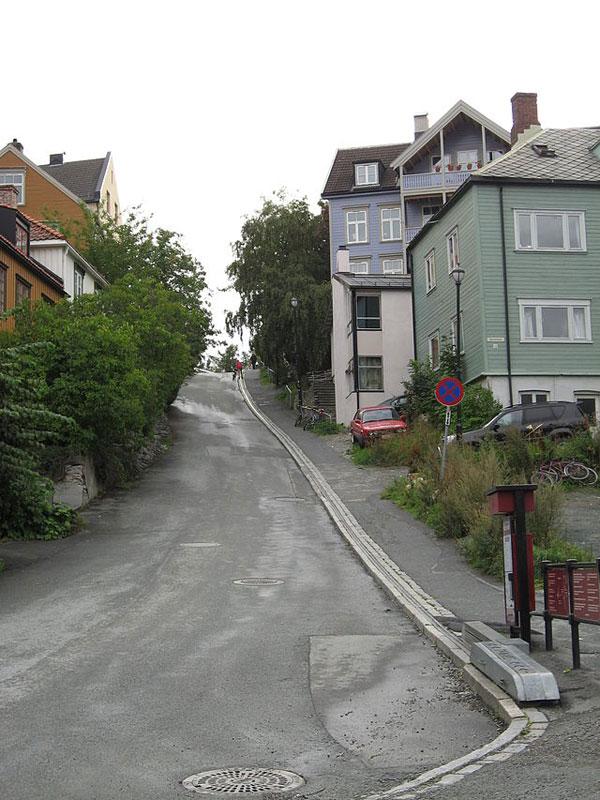 bike escalator lift in trondheim norway cyclocable (13)