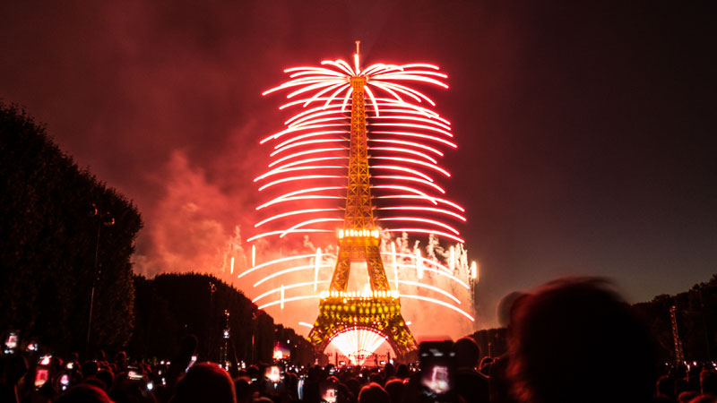 The Eiffel Tower on Bastille Day «TwistedSifter