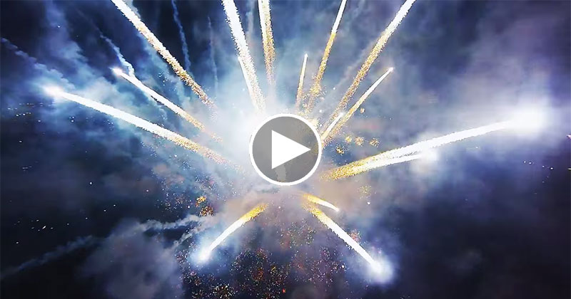 This Guy Flew a Quadcopter Through Fireworks and It Looks Awesome
