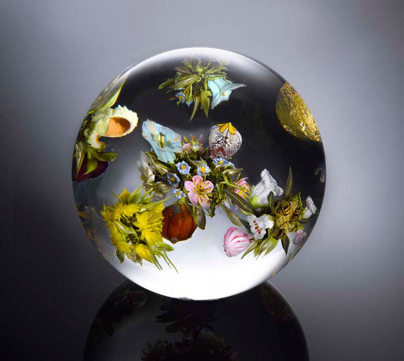 miniature glass gardens encased in clear glass orbs by paul stankard (4)
