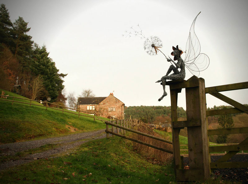 wire fairy sculptures by robin wight 1 twistedsifter. Black Bedroom Furniture Sets. Home Design Ideas