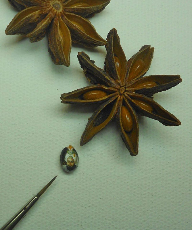 microart by hasan kale tiniest paintings ever (23)