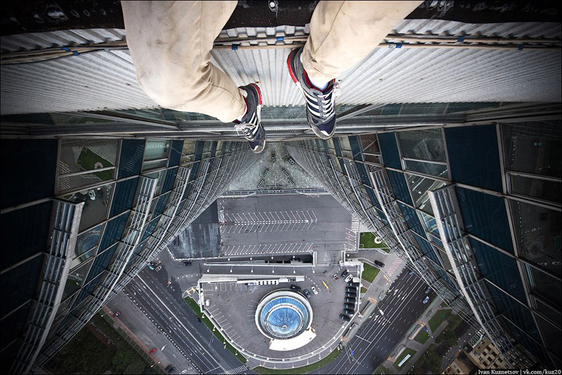photos that look straight down from perilous heights by ivan kuznetsov (5)