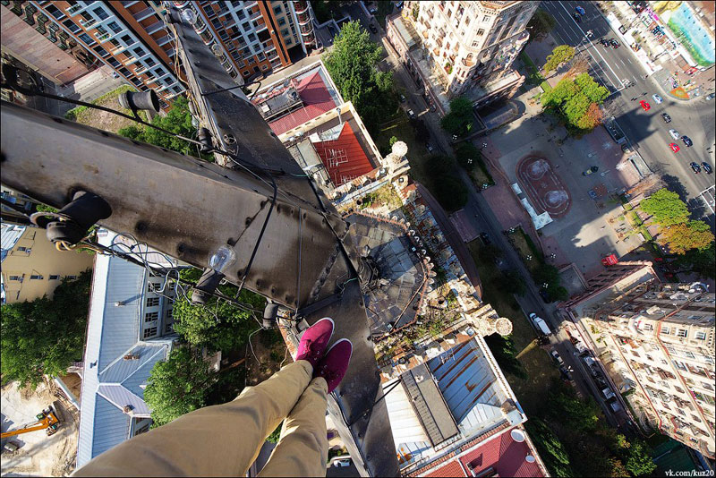 photos that look straight down from perilous heights by ivan kuznetsov (8)