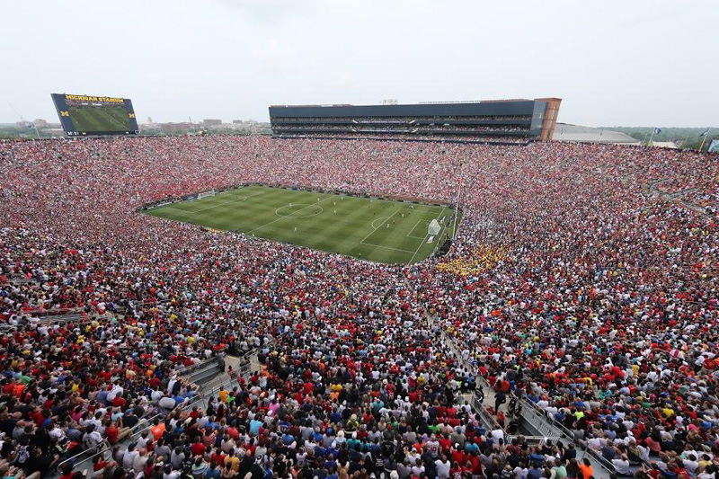 picture of the day the largest us soccer crowd ever