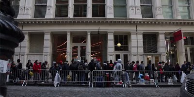 24 Hours with iPhone 6 Line Sitters in NewYork
